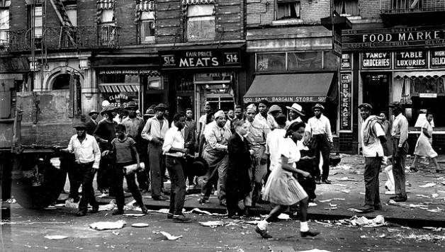 riots-harlem_1943